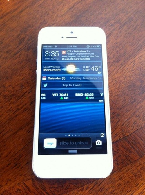 Planetbeing currently has an untethered solution running on his own iPhone 5 on iOS 6.0.2.
