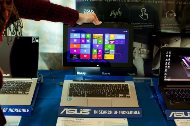 An Asus Touch Screen PC/Tablet. The screen can detach from the system.